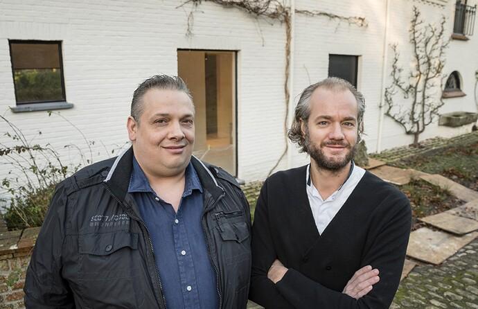 Installateur Lorenzo Vilardi en eigenaar Hugo Wagemaker.