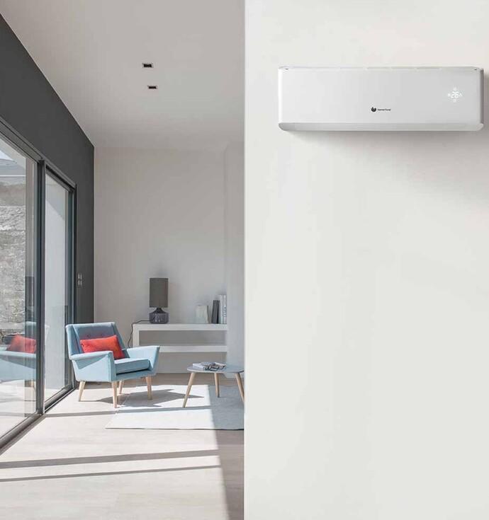 Le VivAir se charge de refroidir l'habitation, mais peut tout aussi bien offrir chauffage. En outre, ce climatiseur muni d'un ventilateur permet de réduire l'humidité de l'air et de le purifier.